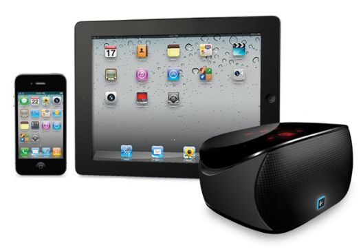 logitech mini boombox une enceinte bluetooth portable. Black Bedroom Furniture Sets. Home Design Ideas