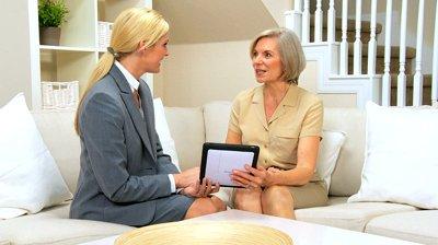 La tablette tactile s'adapte plutôt bien aux personnes âgées, même les moins technophiles