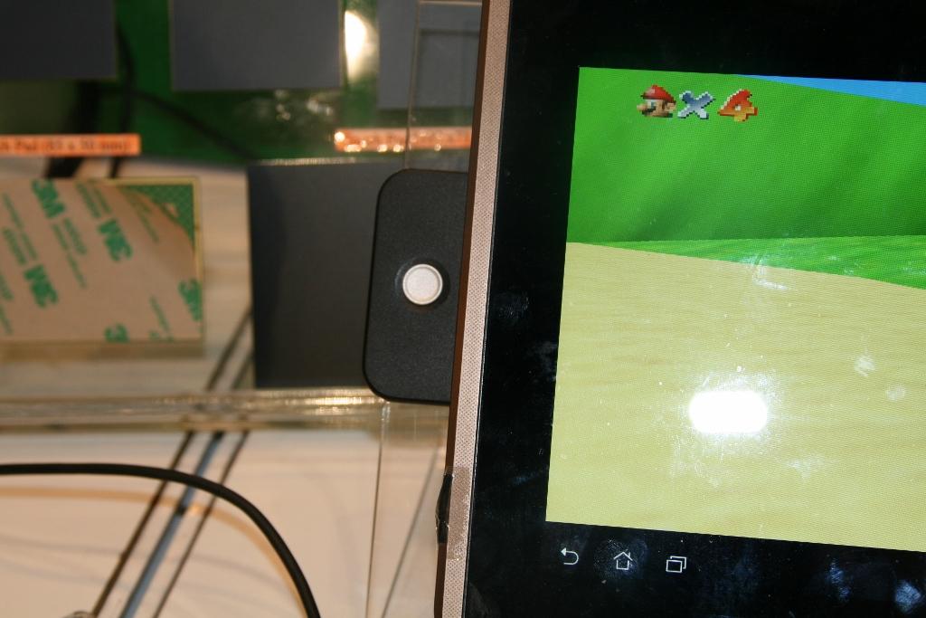 CES 2012 : Prototype ELAN Microelectronics propose un joystick pour tablette tactile Smart 3D force sensor