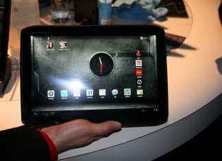 CES 2012 : Démonstration des tablettes Motorola Xoom 2 et Xoom media Edition 6
