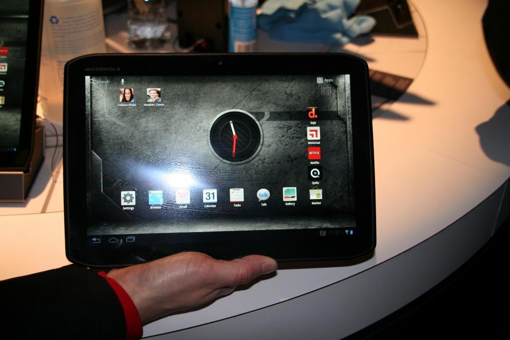 CES 2012 : Démonstration des tablettes Motorola Xoom 2 et Xoom media Edition