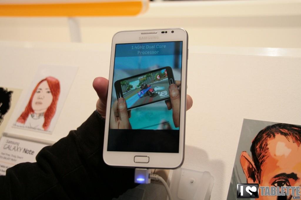Samsung laisse entrevoir le Galaxy Note 2 dans un teaser