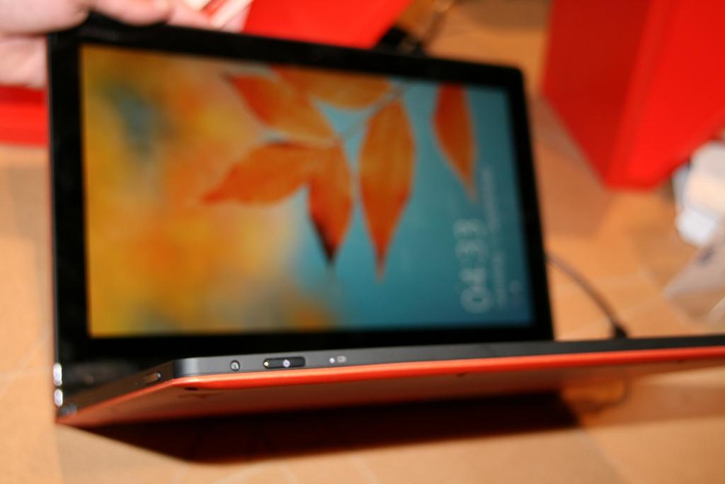 Lenovo IdeaPad YOGA 13 Un Ultrabook Transformable En