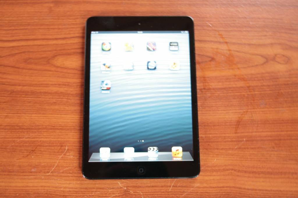 tablette apple ipad mini. Black Bedroom Furniture Sets. Home Design Ideas