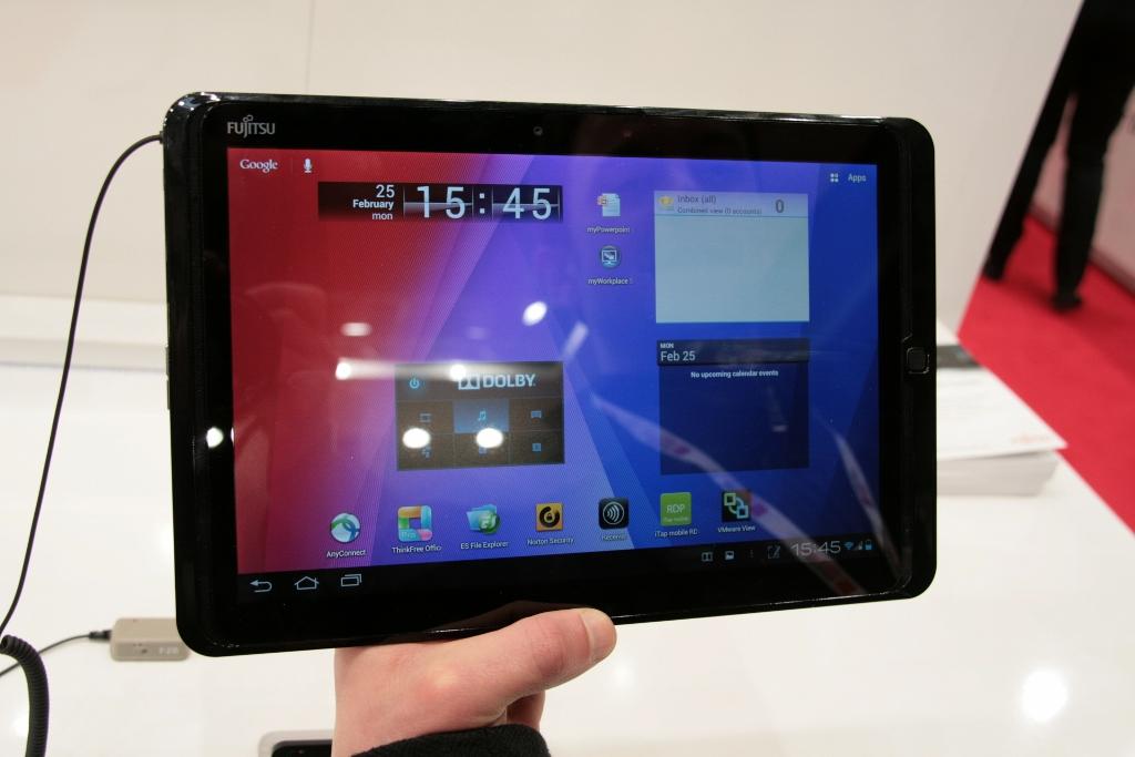 [MWC 2013] Prise en main tablette Fujitsu Stylistic M702 sous Android 4.0
