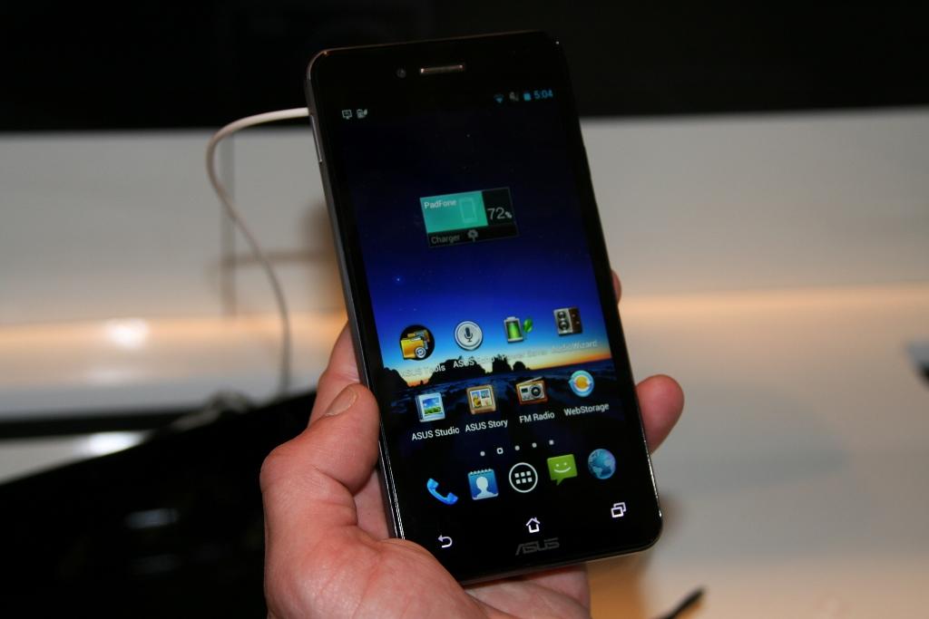 [MWC 2013] Découverte du Asus PadFone Infinity, entre smartphone et tablette tactile