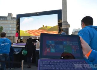 Une tablette de 383 pouces à Londres pour la promotion des nouvelles Surface ! 2