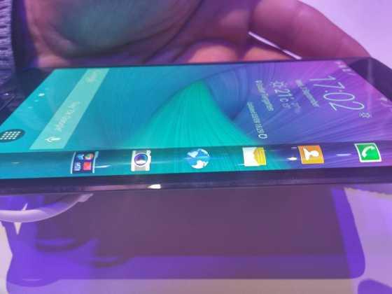 Prise en main du Samsung Galaxy Note Edge 14
