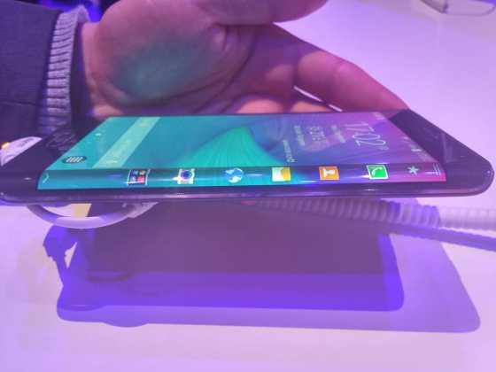 Prise en main du Samsung Galaxy Note Edge 12