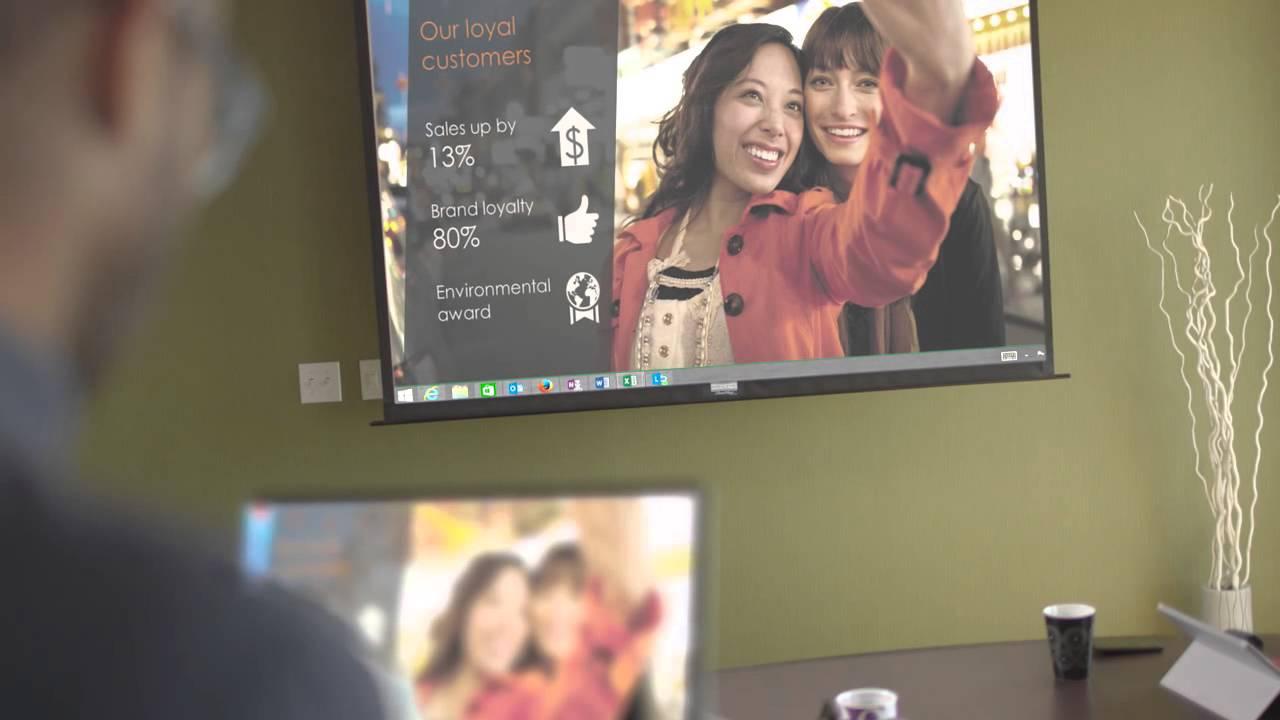 Microsoft présente le Wireless Display Adapter, un concurrent direct au Google Chromecast