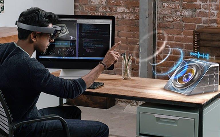 HoloLens : prix, spécifications techniques et précommande du casque de Microsoft !
