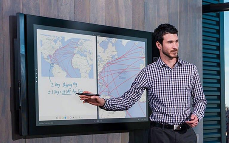 Surface Hub : la gigantesque tablette de Microsoft débarque en France
