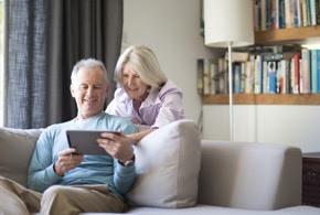 comparatif la tablette pour seniors ardoiz de la poste. Black Bedroom Furniture Sets. Home Design Ideas